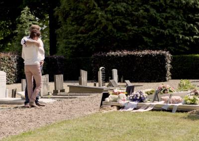 Samen bij het graf...